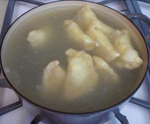 boiling-the-pierogi-photo-by-tastingpoland-com